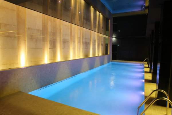 Piscina interior hotel alfonso zaragoza blog de bodas de for Piscina interior