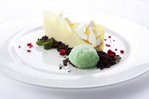 Pastel Flor de Cerezo sobre arena de chocolate